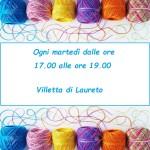 11936255-Colorful-bobine-di-filati-per-maglieria-su-sfondo-bianco-Archivio-Fotografico